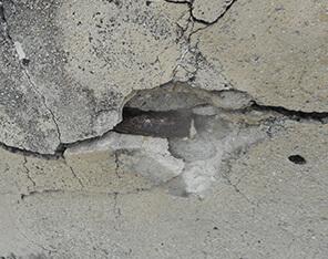 外壁塗装工事 コンクリートの爆裂(中性化)用画像