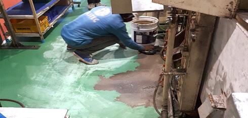 床塗装 不陸調整(パテ処理)